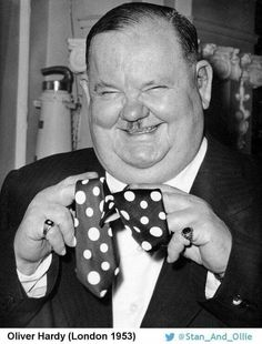 Laurel and Hardy ( Laurel And Hardy, Stan Laurel Oliver Hardy, Great Comedies, Classic Comedies, Classic Films, Vintage Hollywood, Classic Hollywood, Comedy Duos, Silent Film