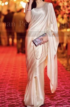 Indian Wedding Guest Dress, Dress Indian Style, Indian Wedding Outfits, Pakistani Fancy Dresses, Pakistani Outfits, South Indian Bride Saree, Saree Wearing Styles, Latest Bridal Dresses, Sarees For Girls