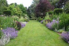 du Botrain via Brittany Tourism as seen on linen and lavender. Bush Garden, Garden Pool, Garden Plants, Garden Landscaping, Love Garden, Dream Garden, Gaura, Garden Borders, My Secret Garden