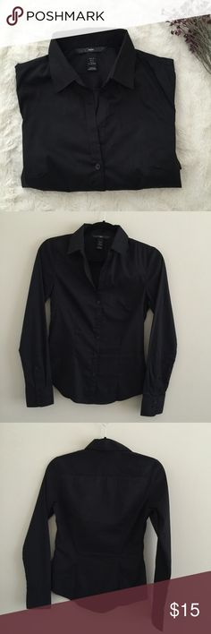 """Long Sleeved Fitted Shirt Never worn Size: US 4 (small)  Black fitted button down shirt by H&M. Very elegant & perfect for a dress-up day!   ‼️ Closet closing on June 20 for moving, shop now!  No trades or holds or ️aypal ✅ Reasonable offers using """"Offer"""" button only  Bundle & 15% Off ❤️  Fast shipper H&M Tops Button Down Shirts"""