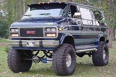 Pretty nice looking GMC van, i would drive the piss out of it. Lifted Van, Lifted Chevy Trucks, 4x4 Trucks, Cool Trucks, Custom Trucks, Ambulance, Pick Up, Gta, Big Van