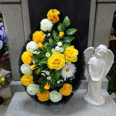 Funeral Flowers, Arte Floral, Flower Bouquet Wedding, Ikebana, Silk Flowers, Flower Arrangements, Floral Design, Floral Wreath, Wreaths