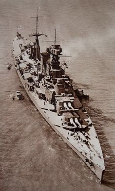 British battlecruiser HMS Hood (51) date unk. (flickr.com) 07.20 Hms Hood, Naval History, Military History, Hms Prince Of Wales, Capital Ship, Navy Ships, Aircraft Carrier, Royal Navy, War Machine