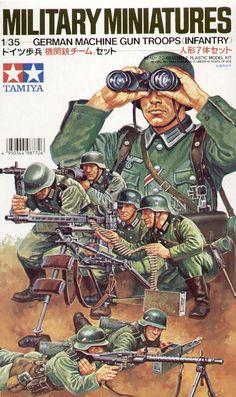 ametralladora ligera alemana mg 34/42 Las figuras 1/35 de Tamiya muestran con claridad las diversas posiciones de uso de MG 34/42. Llama la atención la curiosa posición al hombro.