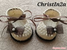 How to Crochet Pretty Baby Shoes with Ribbon Tie | www.FabArtDIY.com LIKE Us on Facebook ==> https://www.facebook.com/FabArtDIY