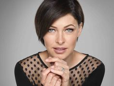 Emma Willis becomes Queen of Everything. The Voice UK presenter, would extend paternity leave, deploy CCTV and improve the quality of hair dye if she ruled the world. Great Hairstyles, Pixie Hairstyles, Emma Willis Hair, Grown Out Pixie, Short Blonde, Hair Today, Dyed Hair, Short Hair Styles, Pixie Styles