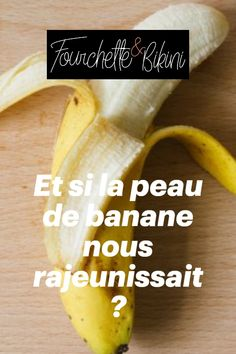 Adieu les crèmes et les soins anti-âge vendus dans le commerce ! Et si, pour prévenir et lutter contre l'apparition de rides, ridules et autres tracas liés à la vieillesse, il nous suffisait d'appliquer une peau de banane tous les matins sur notre visage ? On vous entend déjà dire « QUOI ?! », mais figurez-vous qu'apparemment, ça marche ! Preuve à l'appui sur Tik Tok ! Matins, Commerce, Fruit, Food, Old Age, It Works, Good Bye, Beauty Recipe, Banana