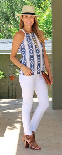 Blue and white halter neck patterned blouse + white skinny trousers + straw hat + gold chain necklace Summer Outfits, Casual Outfits, Fashion Outfits, Womens Fashion, Fashion Trends, Js Everyday Fashion, Everyday Outfits, Stella Dot, I Love Fashion