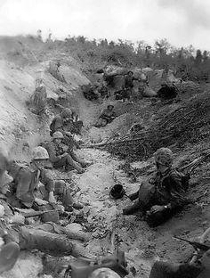 US Marines on landing beach Orange 2, Peleliu, Palau Islands, Sep 1944