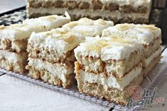 Recept Šťavnaté RAFAELLO tiramisu připravené do 10 minut Tiramisu, Czech Desserts, Dessert Sauces, Keto Bread, Low Carb Desserts, Popular Recipes, Food Cakes, No Bake Cake, Coco