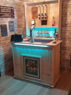 Home Bar Rooms, Home Bar Areas, Diy Home Bar, Home Pub, Bars For Home, Man Cave Garage, Garage Bar, Man Cave Shed, Man Cave Home Bar