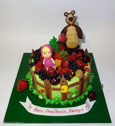 """Торт """"Маша и медведь на ягодной полянке"""". - на бэби.ру"""