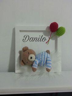 MDF Crafts: Decorated Frames - 30 Ideals - Crafts Step by Step! Crochet Wreath, Crochet Box, Crochet Patterns Amigurumi, Love Crochet, Crochet Dolls, Crochet Wall Art, Crochet Wall Hangings, Baby Shower Deco, Diy Y Manualidades