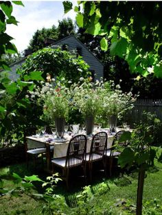Lush wedding table