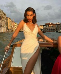 Bella hadid just channelled marilyn monroe in a super high slit dress robe de marie blanche robe sexy africaine styles nigrians mode africaine vtements africains pour les femmes vtements africains ankara mode robe Elegant Dresses, Pretty Dresses, Beautiful Dresses, Sexy Dresses, Classy Gowns, Gorgeous Dress, Beautiful Clothes, Dance Dresses, High Slit Dress
