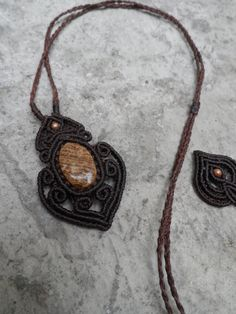Wood Fossil / Petrified Wood Macrame pendant stone by LaQuetzal