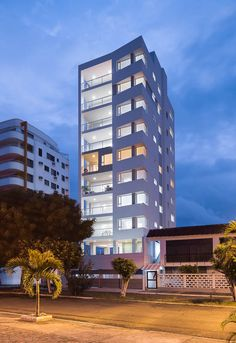 ECUADOR   Arquitectura moderna - SkyscraperCity