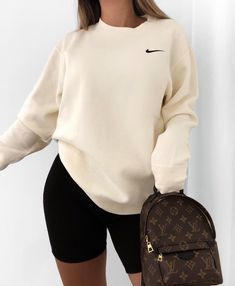 Stylish Everyday Outfits Ideas For Fall Season « voguee. Cute Lazy Outfits, Chill Outfits, Sporty Outfits, Mode Outfits, Retro Outfits, Simple Outfits, Stylish Outfits, Swag Outfits, Hijab Casual