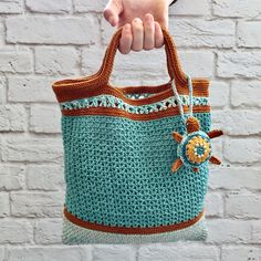 Crochet beach bag. Made of cotton yarn