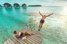 Quem é que nunca sonhou em conhecer uma ilha paradisíaca? Se você cansou de ficar só olhando fotos de praias com águas incrivelmente azuis e resorts de cair o queixo, chegou a hora de fazer as malas! Confira como fazer uma viagem econômica para as ilhas Maldivas, que formam um país encantador na Ásia meridional. Antes de ir, saiba que as ilhas estão sob leis islâmicas, então existem algumas proibições das quais você deve estar ciente: não é permitido consumir álcool em quaisquer lugar e…