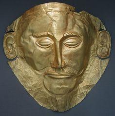 Masque d'or dit « d'Agamemnon », (-XVIe siècle, cercle A des tombes), découvert dans la tombe qui porte son nom. AGAMEMNON, roi de MYCENES et héros grec, assume le commandement de l'armée achéenne durant la guerre de Troie.