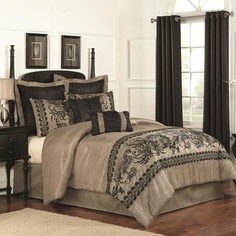 8pc California King Bedding Set - Leciel