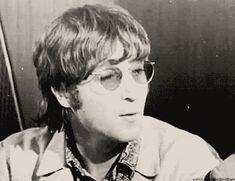 The Beatles! What else? *gives you a creepy smile* #aléatoire # Aléatoire # amreading # books # wattpad