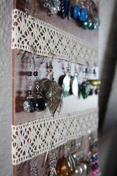 Lovely lacey earring hangers dorm decor for earring lovers like me ♥ jewellery storage Earring Hanger, Earring Display, Earring Holders, Diys, Diy And Crafts, Arts And Crafts, Diy Jewelry Holder, Jewelry Rack, Jewelry Box