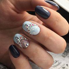 Сделала бы себе такой - ставь nailsoftheday.com #маникюрдня #ногти #гельлак #дизайнногтей #идеидляманикюра #мастерманикюра #nailмастер #gelpolish #nails #маникюр #нарядныйманикюр #стразынаногтях #вензелянаногтях