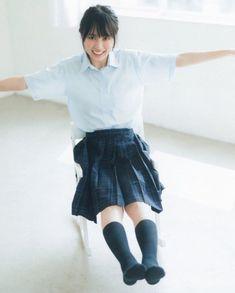 えふ◢⁴⁶さんはInstagramを利用しています:「かっきー投下(ง ˙˘˙ )ว · · · #乃木坂46 #nogizaka46 #アイドル #美人 #賀喜遥香 #kakiharuka #かっきー #4期生 #乃木坂好きな人と繋がりたい」 Cute School Uniforms, How To Look Better, That Look, High School Girls, School Fashion, Rock, Asian Beauty, Cute Girls, Ballet Skirt