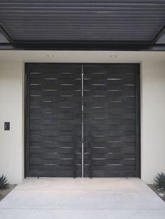 This would provide a little privacy! Main Gate Design, Door Gate Design, Garage Door Design, Front Door Design, Modern Entrance Door, Entrance Gates, House Entrance, Front Gates, Front Doors