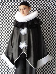White Organza Ruff Black Pierrot by by CostumeRenaissance