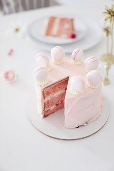 Rosa Himbeer-Torte
