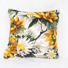 Daisy Vintage Cushion