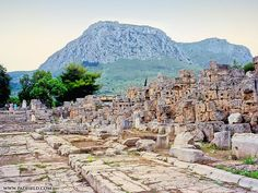 Glorious Animation Presents The Ancient Greek City Of Corinth During The Roman Period. Ancient Greek City, Ancient Ruins, Ancient Greece, Ancient History, Places To Travel, Places To See, Corinth Greece, Site Archéologique, Ancient Greek Architecture