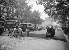 Travaux de voirie, Angle de la rue du Temple, de la rue Meslay et de la place de la République. Paris 1950.