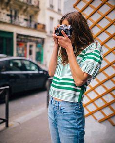 "32 mil curtidas, 58 comentários - @freepeople no Instagram: ""Street style stripes ✔️ •link in bio to shop• #prettyinstripespullover"""