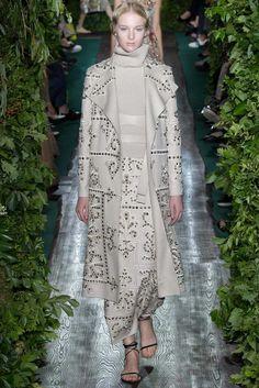 Valentino Fall 2014 Couture Collection Photos - Vogue