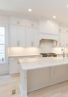 Kitchen Cabinet Design, Kitchen Redo, Modern Kitchen Design, Home Decor Kitchen, Kitchen Interior, New Kitchen, Home Kitchens, Kitchen Remodel, White Contemporary Kitchen