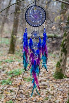 Dreamcatcher made of feathers leather beads and ropes, hanging Dream Catcher Decor, Dream Catcher Mobile, Dream Catcher Wallpaper Iphone, Homemade Dream Catchers, Dream Catcher Drawing, Dreamcatcher Wallpaper, Dream Catcher Tutorial, Beautiful Dream Catchers, Wine Bottle Crafts