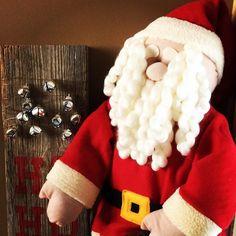 SANTA!!!! I KNOW HIM!!!! See our other festive home decor at Oldlakegeorge.com #elf #santa