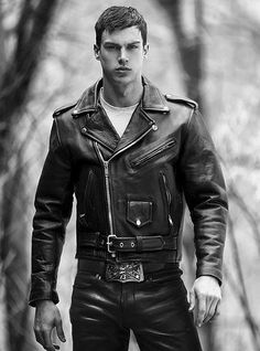 "poangielsku: "" A hot guy in a black leather biker jacket "" 