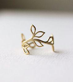 beautiful leaf ring