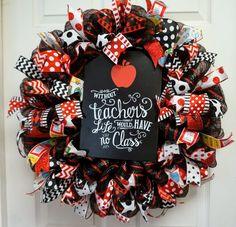 Teacher Appreciation Wreath, Apple Wreath, Classroom Wreath, School Door Hanger by Texascaseyscreations on Etsy