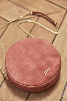 The most beautiful models of very chic bags Diy Bags Purses, Cheap Purses, Cheap Bags, Purses And Handbags, Coach Handbags, Pink Purses, White Purses, Luxury Bags, Luxury Handbags
