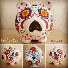 #Porky #CalaveritaDeAzúcar - Alcancía pintada a mano. Hand painted Ceramic #PorkyBank Personalized By @neack9 #TradicionesMexicanas #PorkyBank #HechoEnMexico