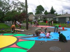 The City Repair Project is transforming ordinary intersections into vibrant public spaces all over Portland. They work with communities and volunteers to paint giant murals onto intersections, effectively turning car-centered roadways into lovable Places.These initiatives are extremely low-cost, take only a few days, and help reconnect communities in the reclamation of #StreetsAsPlaces. #LQC #Placemaking