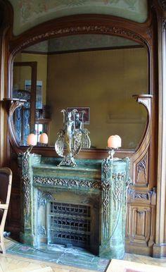 Stunning Art Nouveau Fireplace - Hôtel (Particulier) Bouctot Vagniez au 36 rue des Otages à Amiens - Les Intérieurs - Cheminée en Porphyre