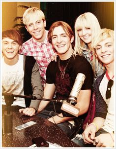 I love r5 but my favorite member of that band is Ross. He's cute! He's an amazing singer when it's just him singing :)