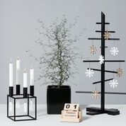 Snøkrystall i natur for å henge på juletreet, en gren eller i vinduet.Mål: 6 x 6 cm.